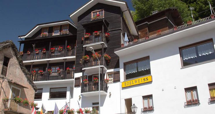 Front view of hotel Edelweiss in Bognanco Terme - Free wi-fi and special offers on our website